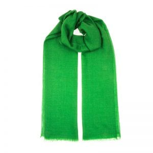 Dreamy bright green scarf hand woven in 100% cashmere. This scarf is hand woven in house and hand dyed with wool from chyangra goat in the Himalayas. Buy ethically from Beshlie McKelvie.