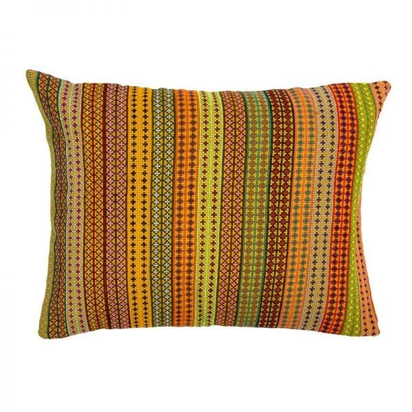 Brighten up any room with this beautiful and original hand embroidered Syrian cushion in orange hues. Made of 100% cotton thread and backed with 100% linen. From Beshlie McKelvie in collaboration with Syrian charity Sabbara.